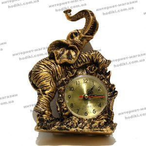 Настольные часы 2405 (код 6668)